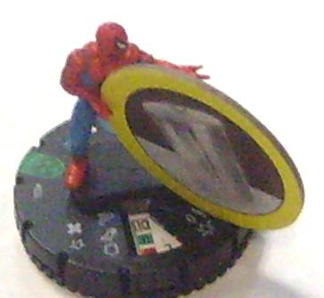 Yup. Spider-Man (024) juuuuust grips the token as shown.